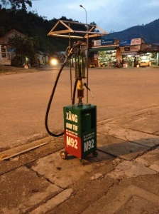 Gas pump in P'rao.